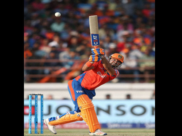 Suresh Raina completes 4000 runs in IPL, overtakes Kohli as all time highest-scorer