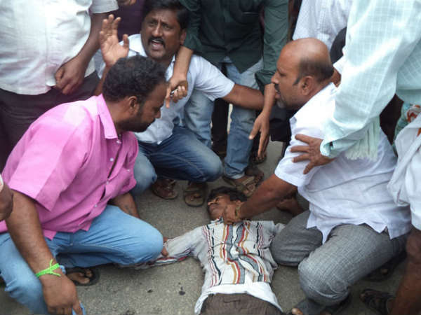 Ambarish fan tries to commit suicide in Mandya