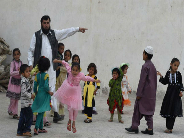 Pakistani father of 35 is now searching for a fourth wife as he romps towards his goal of 100 children