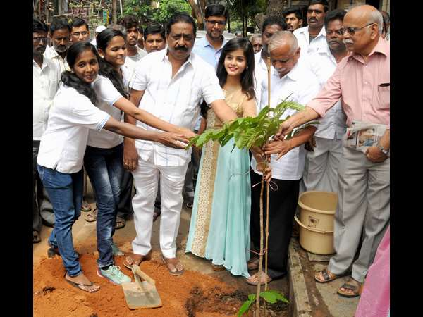 'Hasirige Usiru' green drive starts at Jayanagara, 9 Aug 2016