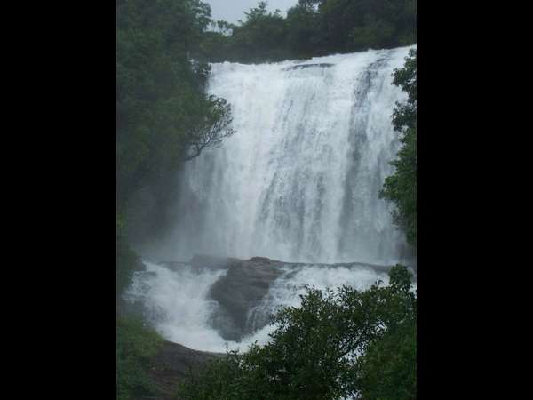Journey to Chelavara waterfalls in Coorg (Madikeri)