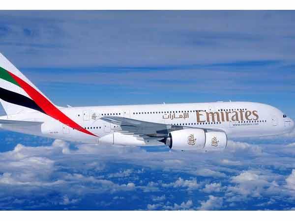 Tweets Video Emirates Flight Crash Lands At Dubai Airport