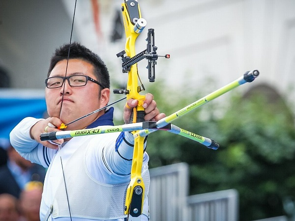 Korea's Kim Woo-jin sets archery world record on opening day