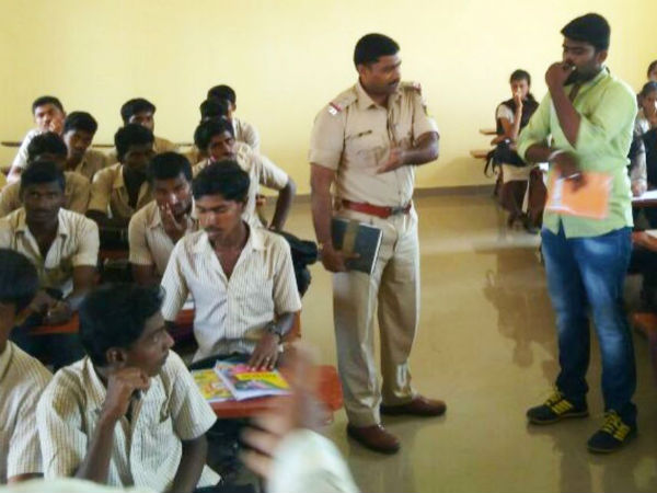 Sub inspector class to students came with casuals