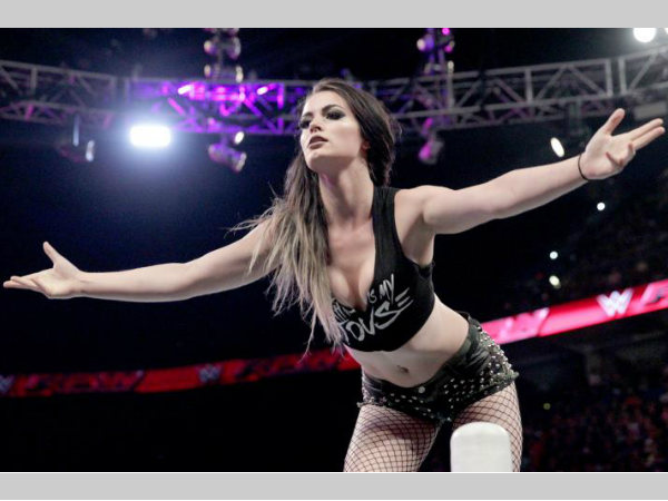 WWE: Paige to quit wrestling due to severe neck injury?