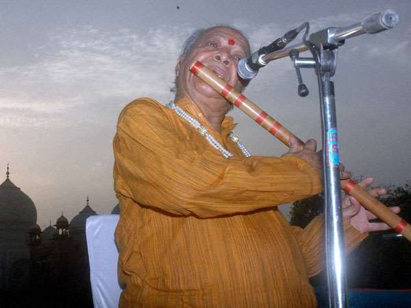 Pandit Hariprasad Chaurasia to perform at Chowdiah Hall