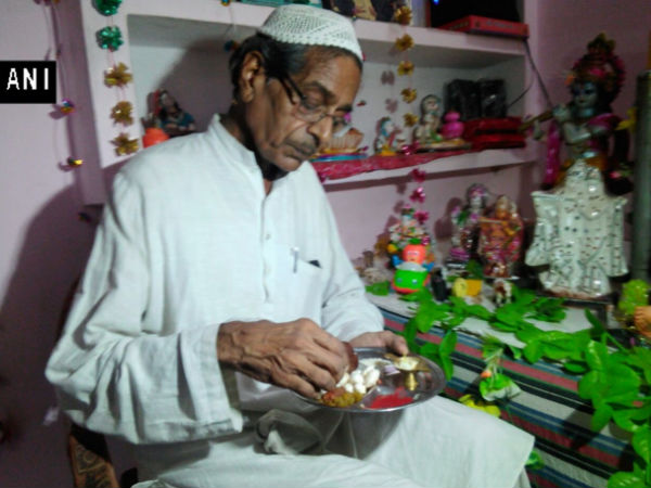 This Muslim Family From Kanpur Celebrate Janmashtami For The 30th Year Today