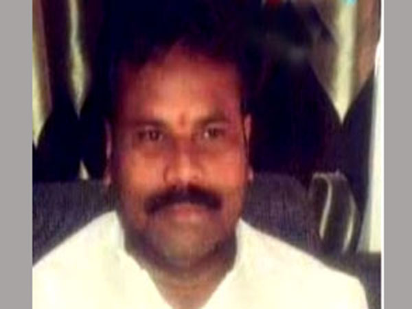 Congress leader Yadagiri shot at in Secunderabad