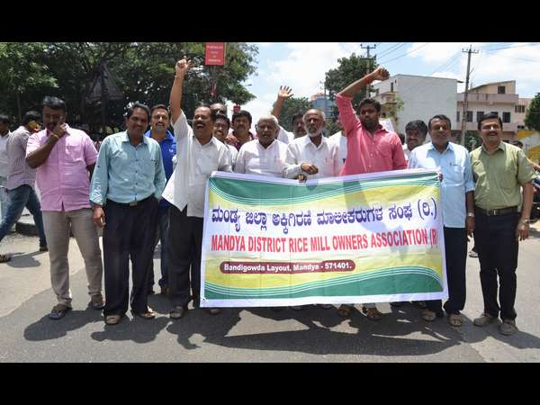 Voilence continue in Mandya after Supreme direction