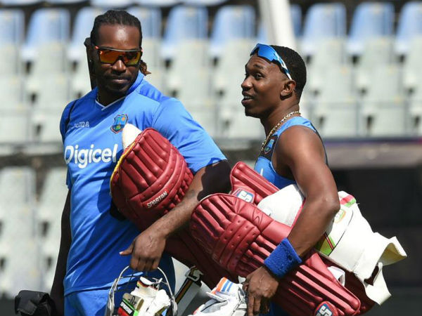 Watch: Chris Gayle gets hero's welcome, Dwayne Bravo dances with female fans in Chennai