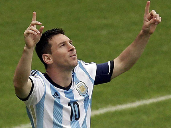 Lionel Messi scores on return from retirement as Argentina win
