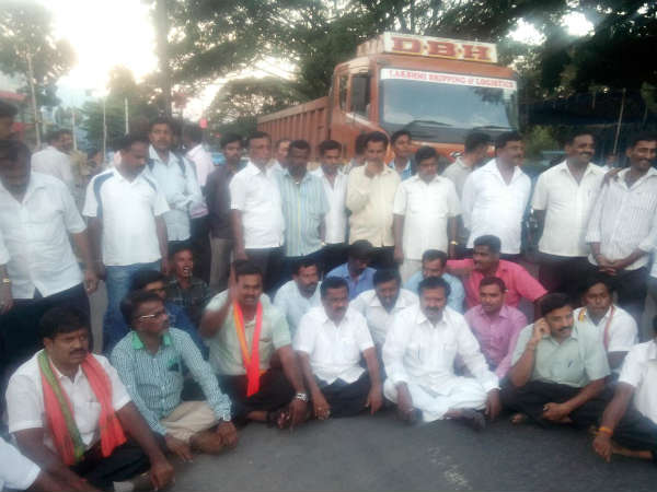 Cauvery issue : Protest intensified in Mandya district
