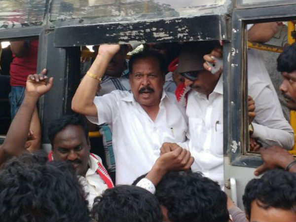 Vatal Nagaraj, SaRa Govindu arrested and released in Mandya
