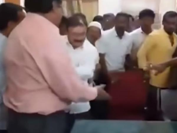 ವಿಡಿಯೋ: ಸರ್ಕಾರಿ ಅಧಿಕಾರಿ ಮೇಲೆ ಹಲ್ಲೆ ನಡೆಸಿದ ಶಾಸಕ