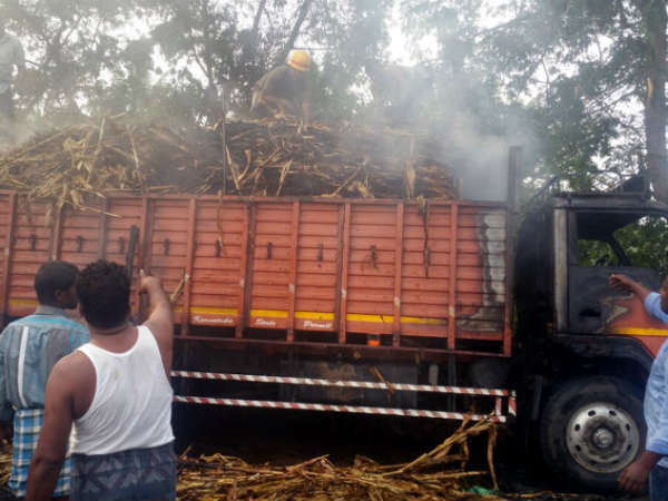 Fodder vehicle burnt in fire accident near HD Kote