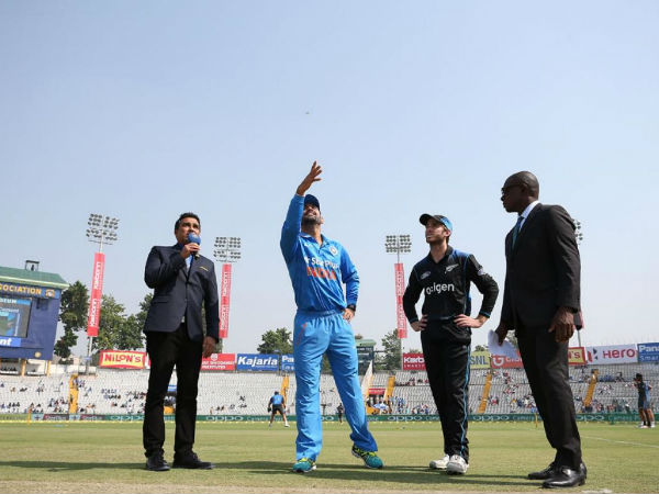 4th ODI: New Zealand win first toss on this tour, elect to bat against India