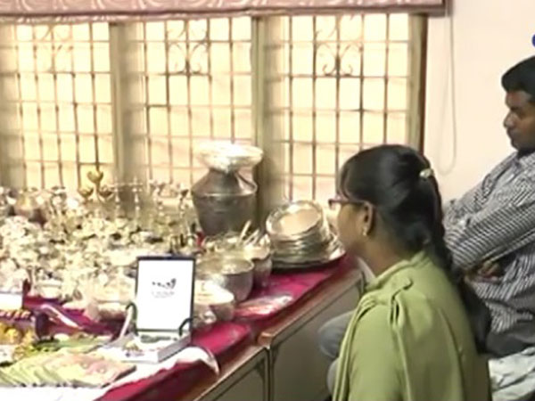 Raids OnAndhra Officer Reveal 14 Homes, Roomful Of Silver.There May Be More
