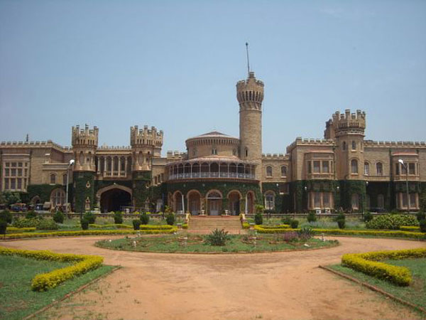 Mysuru royal family has agreed to part with 12 acres for road widening