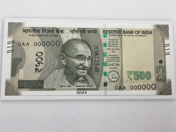 This is what the new Rs 500 and Rs 2,000 notes look like ; RBI