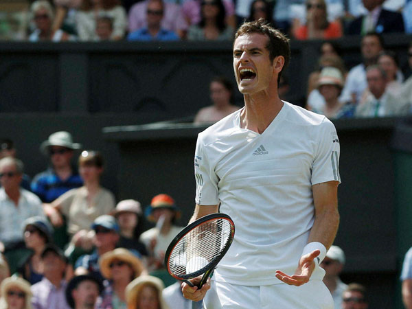 Andy Murray becomes first British to top ATP rankings