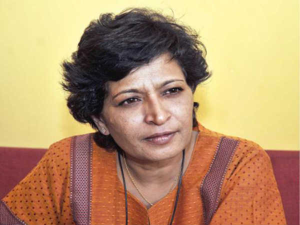 Hubballi Court issues Warrant against Gowri Lankesh