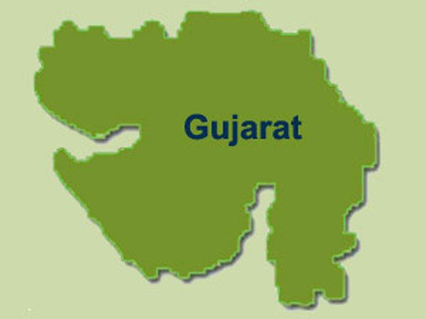 Bribe Of Nearly 3 Lakhs Paid Entirely In New Rs. 2,000 Note in Gujarat