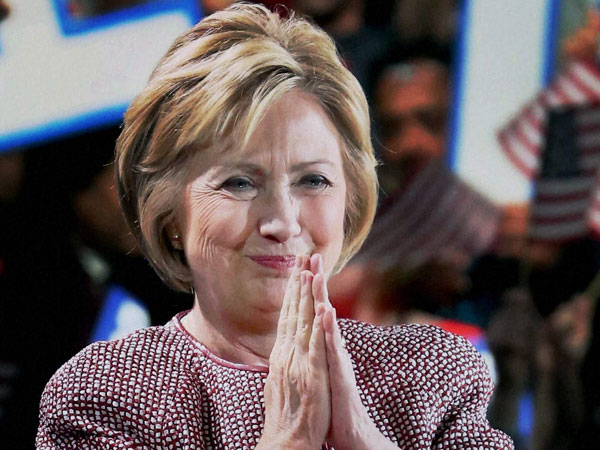 Hillary Clinton gets relax in email case