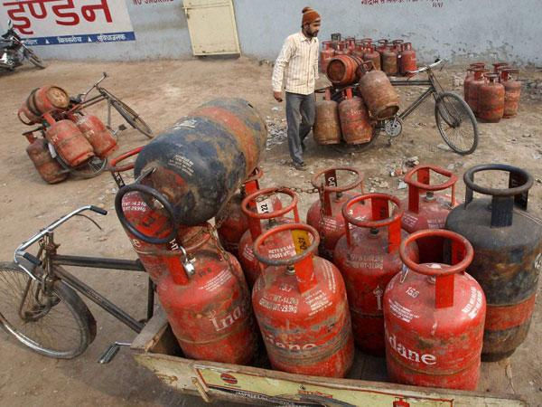 Non-subsidised LPG hiked by Rs 37.5 per cylinder