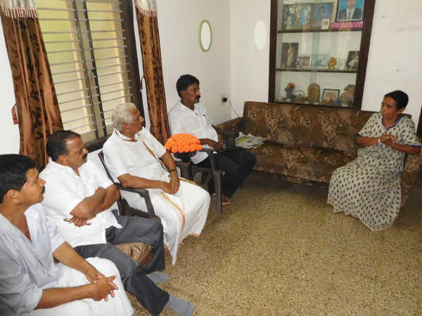 Rss leader Dr. Prabhakar bhat Visted Karthik Raja house