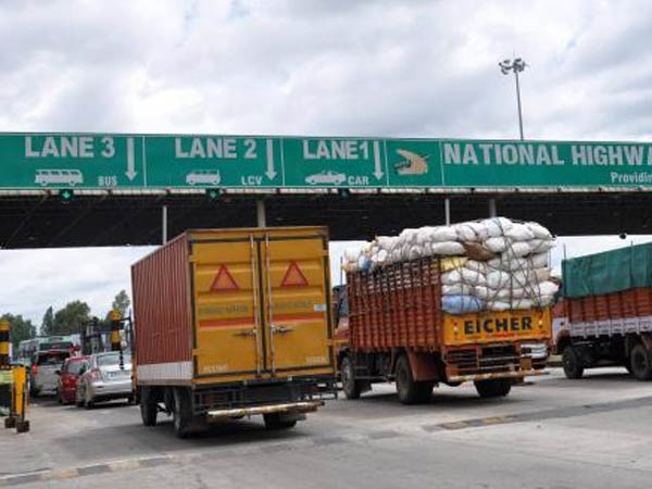 Toll collected on Nice road : Vehicle owners protest