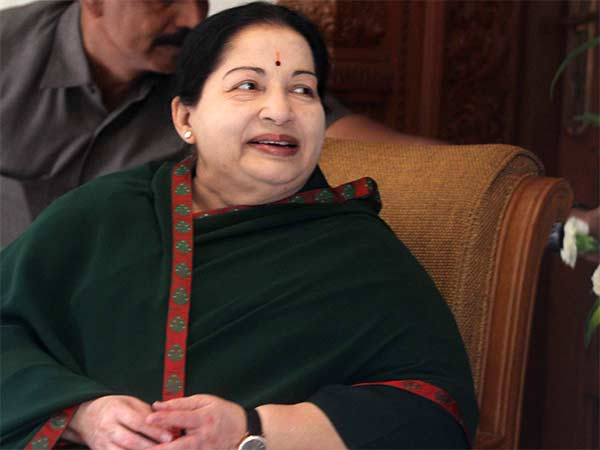 Jayalalithaa put on heart assist device