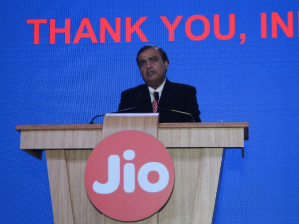 Mukesh Ambani gives thumb's up to Demonetisation, extends Reliance Jio Offer