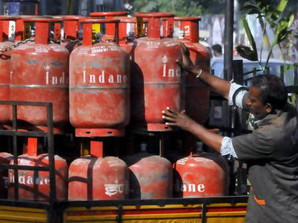 Petroleum ministry all set to implement cashless LPG distribution in Bengaluru