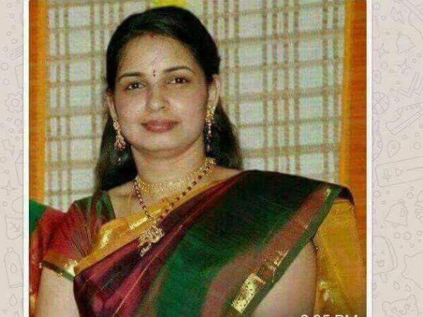 A fake viral post announcing that J Jayalalithaa had a daughter has come under severe criticism in Tamil Nadu. Popular playback singer Chinmayi Sripad took to Facebook to last out at the post.