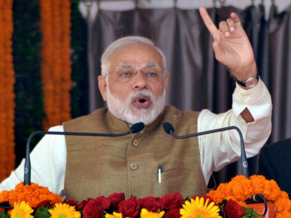 I will not leave any corrupt : Narendra Modi in Gujarat