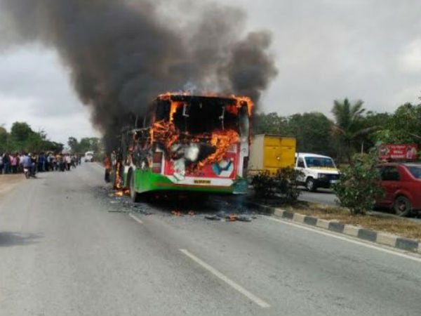 BMTC bus carrying 40 students destroyed by fire, No students injured