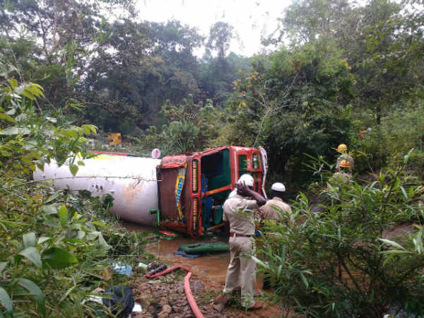 gas tanker topple Puttur near uppinangdy