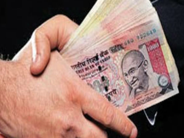 ACB nets two karnataka government servants demanding and accpeting bribe