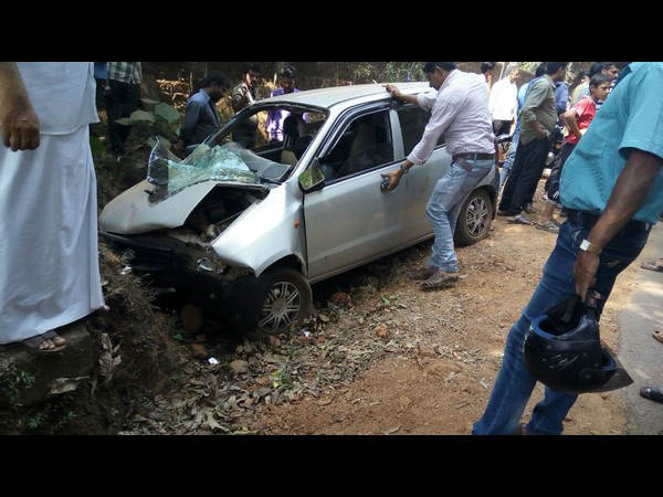 5 injured One children among two dead in car accident at Ukkuda Check Post near Vital
