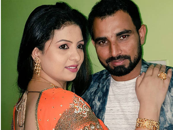 Mohammed Shami posts picture with wife Hasin Jahan, wishes everyone a Happy New Year