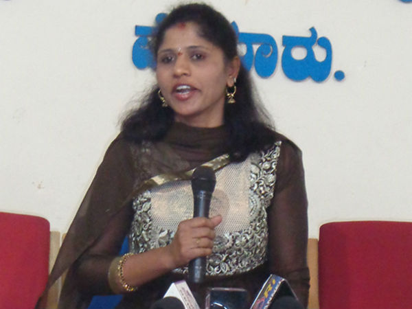 Premakumari conducted press conference against former minister ramdas