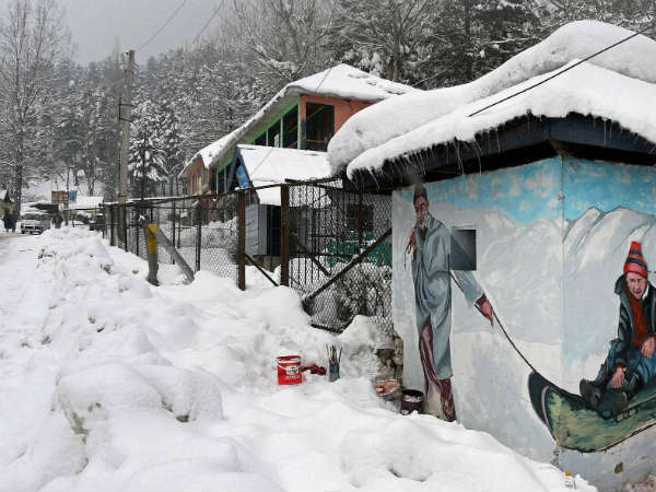 Avalanche hits army camp in Sonamarg in Jammu and Kashmir