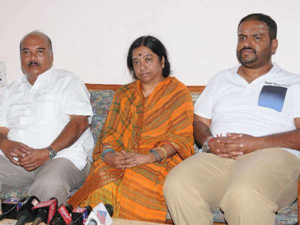 HS Mahadev Prasad wife will contest in Gudlupet bi election