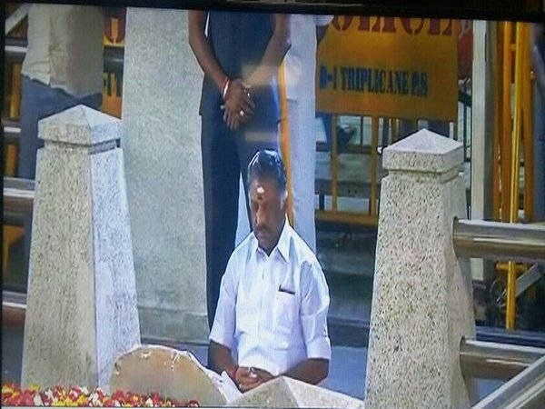 Outgoing CM of TN, Panneerselvam meditates at Jayalalithaa's memorial