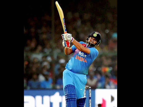 India Vs England, 3rd T20I: Raina, Dhoni fifties power India to 202/6