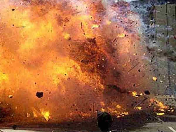 ಢಾಕಾ ವಿಮಾನ ನಿಲ್ದಾಣ ರಸ್ತೆಯಲ್ಲಿ ಆತ್ಮಹತ್ಯಾ ಬಾಂಬ್ ದಾಳಿ