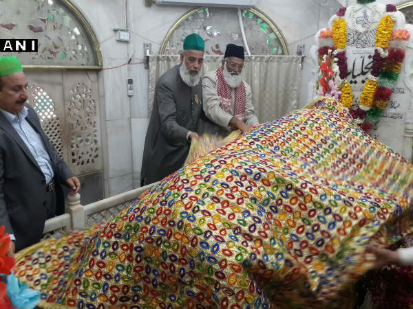 Two Indian clerics including Nizamuddin Dargah's head priest go missing in Pak