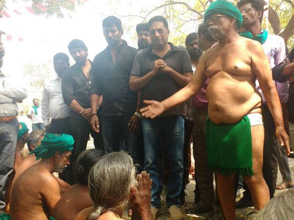 ತಮಿಳುನಾಡು ರೈತರ ಜಂತರ್ ಮಂತರ್ ಪ್ರತಿಭಟನೆಗೆ ಪ್ರಕಾಶ್ ರೈ ಬೆಂಬಲ