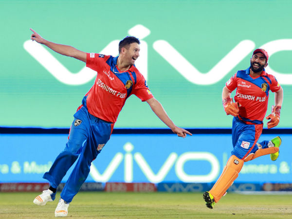 IPL 2017: Match 13: Andrew Tye takes hat-trick as Gujarat restrict Pune to 171/8