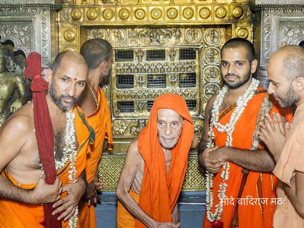 250ವರ್ಷಗಳ ನಂತರ ಮುಖದರ್ಶನ ಮಾಡಿಕೊಂಡ ಮಾಧ್ವಪೀಠದ ಯತಿಗಳು